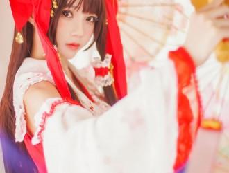 [网红COSER] 桜桃喵 - 灵梦 新年快乐 COS丝袜美图[45P]