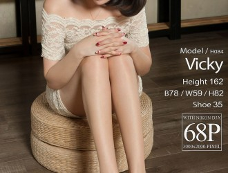 [LIGUI丽柜] 2018-02-28 腿模Vicky 丝袜美腿丝足写真[69P]
