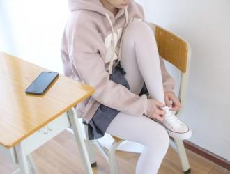 [森萝财团] X-002 白丝运动风 萝莉丝袜写真套图[105P]