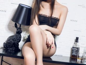 [TouTiao头条女神] No.235 冰冰 - 黑旗袍美腿丝袜美图[15P]