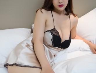 微博红人闫盼盼性感教官服+情趣睡裙大尺度完美诱惑写真45P