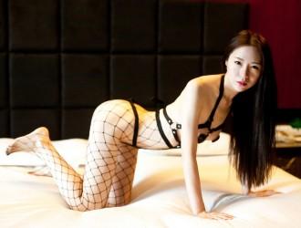 国模梦心玥精美私拍之情趣网袜大尺度露点诱惑写真写真46P