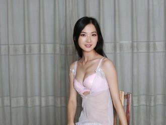 国模长发女神林妹妹大尺度私拍套图粉红内衣全脱人体艺术诱惑写真51P