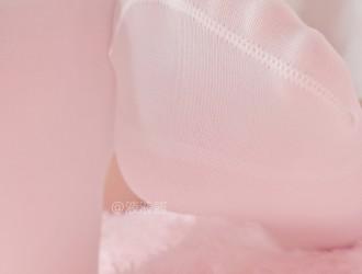 网络美女液液酱弹丸论破莫诺美拟人COS大尺度粉色私房诱惑写真32P