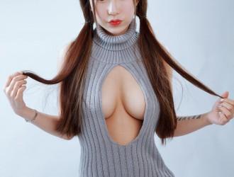 [XiuRen秀人网] No.749 萝莉悠悠酱 - 肌肤雪乳美臀福利 丝袜美图[41P]