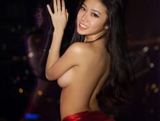 [XIUREN秀人网] 性感女神能叔@luvian本能-圣诞[64P]