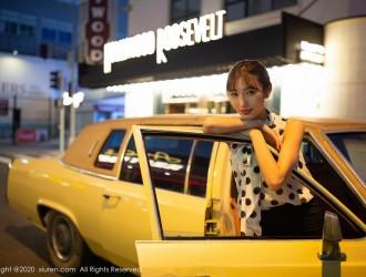 XiuRen第2222期_嫩模陆萱萱出租车司机主题车内半脱露曼妙身材撩人诱惑写真76P_性感美女