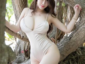 [YouMi尤蜜荟] Vol.225 女神@Egg_尤妮丝马尔代夫外拍丝袜美图[45P]
