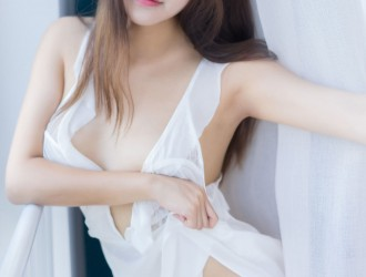 [YouMi尤蜜荟] Vol.232 新人模特@拉菲妹妹首套丝袜美图[43P]